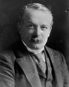 http://upload.wikimedia.org/wikipedia/commons/thumb/3/34/LloydGeorge.jpg/220px-LloydGeorge.jpg